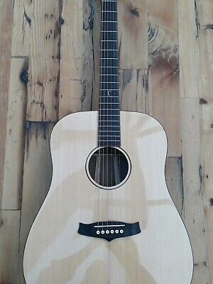 Tanglewood TWJDS solid top Dreadnought  acoustic guitar