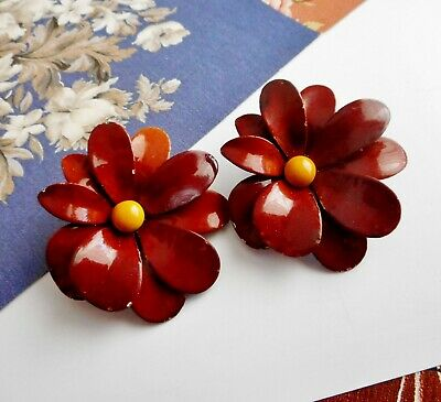 Vintage Retro Brown Enamel Flower Yellow Centre Clip On Earrings Signed Weiss