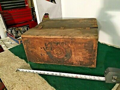 Antique Primitive DOVETAILED Wooden Advertising Crate ARM & HAMMER SODA