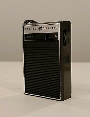 Vintage 1960's General Electric GE P2790 AM Transistor Radio – LIKE NEW