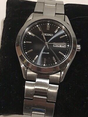 Seiko Solar V158-0AD8 Mens Stainless Steel Watch Works Great Sharp!