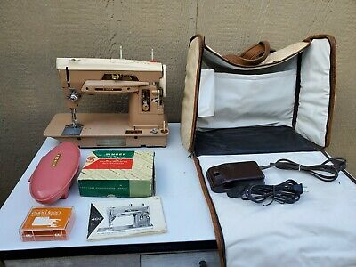 Singer 403A Sewing Machine w/Guide,Buttonholer,Accessories,& Carrying Case WORKS