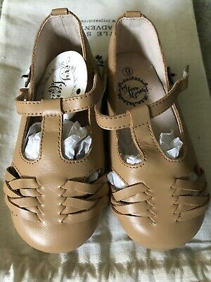 IJD Girls Size 9 Shoes