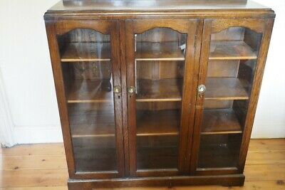 Victorian Library Bookcase ?  With Key, 107x104x31cm, damage to veneer one side