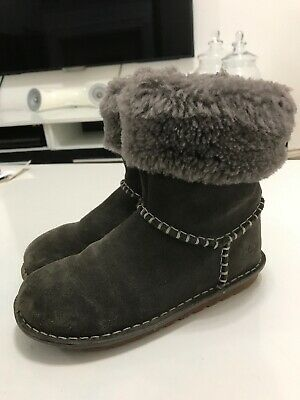 ** Clarks Girl's Suede Leather Ankle Boots Size Uk 12.5 G  Eur 31**