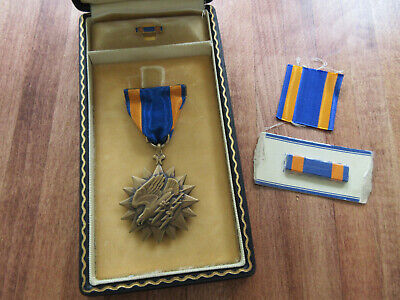 Vintage Wwii Us Army Air Corps Medal With Name Ribbon Bar Orig Coffin Case