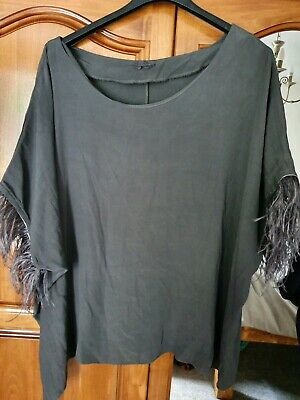 Feather Edge Unique Top size 24-26