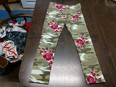 Wonder Nation Green Camouflage With Flowers Leggings Size Girl's 10/12 EUC