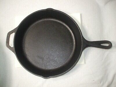 """LODGE 8SK 10.25"""" Double Spout Cast Iron Frying Pan/Skillet Made in USA """"NOS"""""""