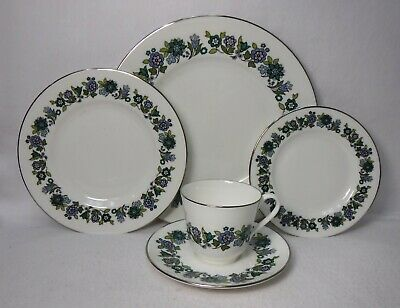 ROYAL DOULTON china ESPRIT H5011 pttrn 5pc Place Setting  dinner/salad/bread/cup