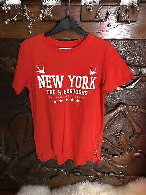 BOY'S RIVER ISLAND 'NEW YORK' THE 5 BOROUGHS RED T-SHIRT 9-10 YEARS. Zip Sides