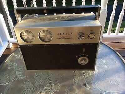 Zenith Transoceanic Radio Royal 2000 For Parts Or Repair