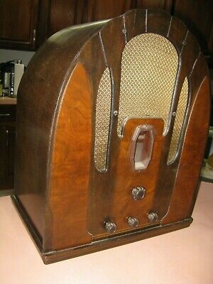 Philco Antique Cathedral Radio,Outstanding May Not Be fully Functional For Parts