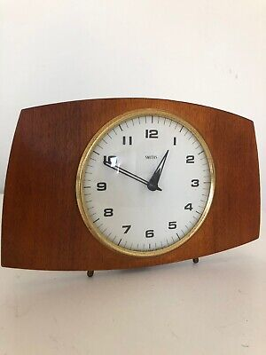 Vintage Retro SMITHS  Wind Up Wooden Mantle Clock Made in Great Britain