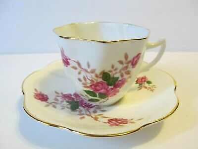 Bone China Porcelain Tea Cup and a Saucer Red Roses Made in England