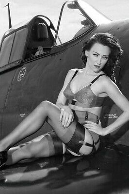 WW2 Picture Pin UP sexy girl Pinup near Cockpit War Photo aviation 4x6 Z