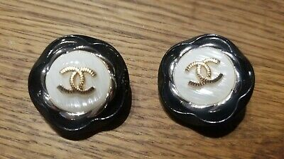 Lot of 2 Vintage Chanel round gold tone cc logo pearls Buttons 30 mm