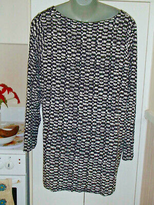 Ladies   Black And White Dress Size =18 --Viscoe And Elastane== Millers =Pre Own