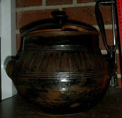 """Cynthia Mitchell large vintage Crock Pot & Lid apx 10"""" EXC *PiCK UP ONLY Hobart."""
