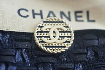 💓💔❤💅 CHANEL BUTTON  1 pieces   LOGO CC   size 20  mm 0, 8 inch Metal