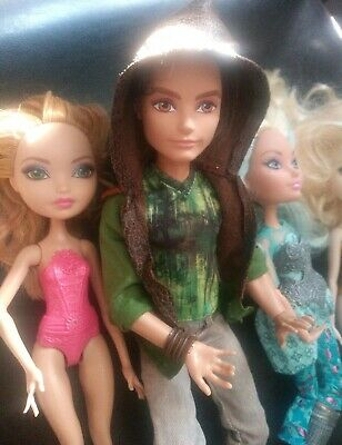 MONSTER HIGH HUNTER Ever After Doll. With outfit and shoes