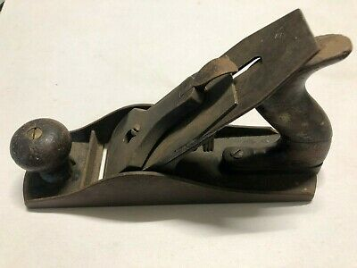 VINTAGE WOOD PLANE from a life long carpenter's collection. Lot 7