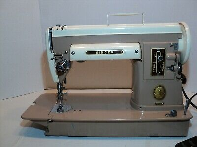 1950s Singer sewing machine MDL# 301Aworks verry clean