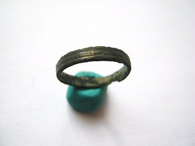 Ancient Celtic Bronze Ring ca.1st-3rd Century AD (01)