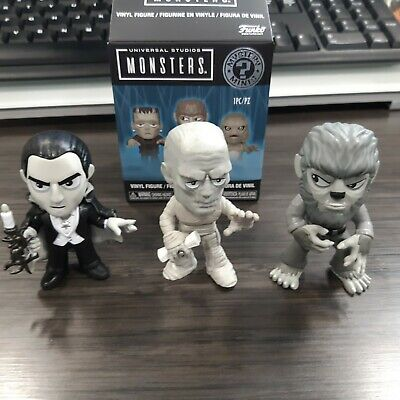 Mystery Minis Universal Monsters Walgreens  B&W Lot Mummy Wolfman and Dracula