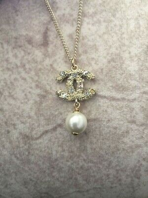 NEW CHANEL cc pendant pearl necklace
