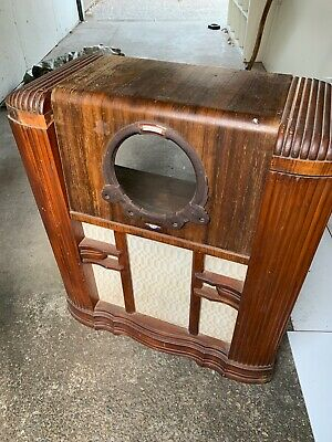 Late 1930's Airzone Radio cabinet