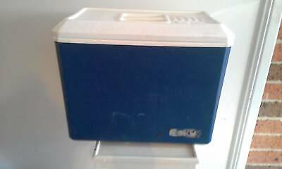vintage blue Nylex brand sports Esky cooler with original ice packs x4