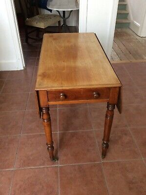 English walnut Pembroke style table on turned legs, Circa 1870