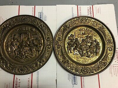 Pair Of Peerage Brass Hanging Wall Plates Tavern Pub Scene Made In England