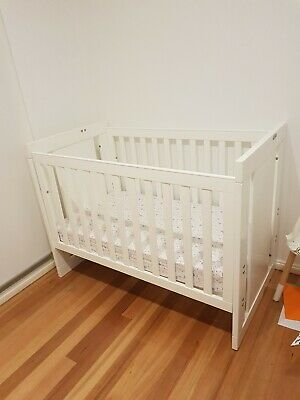 Grotime baby cot 4 in 1 / toddler bed white inc mattress