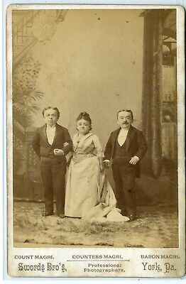 Midget Cab Card- Countess Magri with Husband and Brother- Mrs. Tom Thumb- Swords