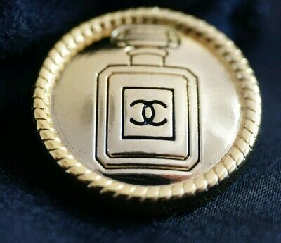 CHANEL BUTTONS CC LOGO CHANEL N5 GOLD TONE METAL 20 mm Price for 1 button💖💖💖