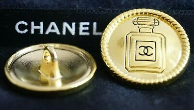 CHANEL BUTTONS SET OF 2 CC LOGO CHANEL N5 GOLD TONE METAL 20 mm 💖💖💖