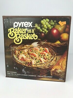 Vintage Pyrex Baker in a Basket 2 Qt Covered Casserole + Woven Basket, Brand New