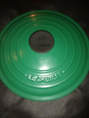 Le Creuset #24 Enameled Cast Iron Dutch Oven Green 4.5 Qt. Excellent condition.