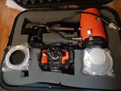NikonisV 35mm Under water Camera with Substrobe & Hard Case