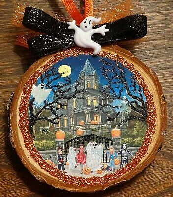 Haunted House,halloween ornament, wood slice,pumpkins,ghosts,barked,Glittered