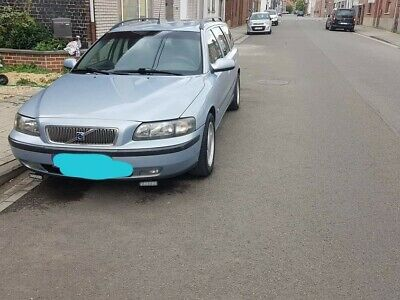 VOLVO V70 2002 2.4D  93 KW (126 PK)300 Nm in goede staat lichtblauw