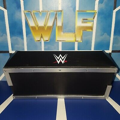 Announce Table - Mattel  Accessories for WWE Wrestling Figures - Contract Chaos