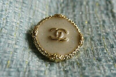❤💘💗 CHANEL BUTTONS   lot of 4 size 24 mm or 1 inch  Gold tone  logo CC Large