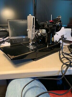 SINGER FEATHERWEIGHT 221 Sewing Machine 1950 W/case & Buttonholer Accessories