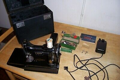 Vintage 1955 Singer 221- Featherweight Sewing Machine With Pedal & Case