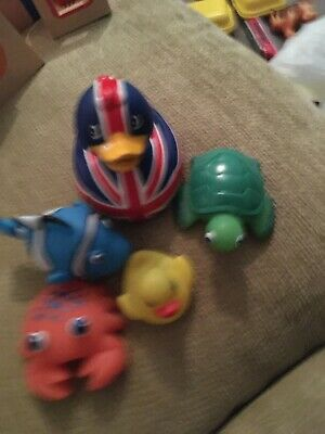 5 Bath Toys.. Ducks. Turtle. Crab