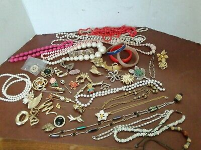 Joblot Of Costume Jewellery Broaches, Necklaces,