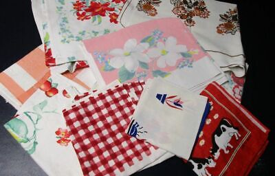 Lot of Printed Vintage Tablecloths/Kitchen Towels